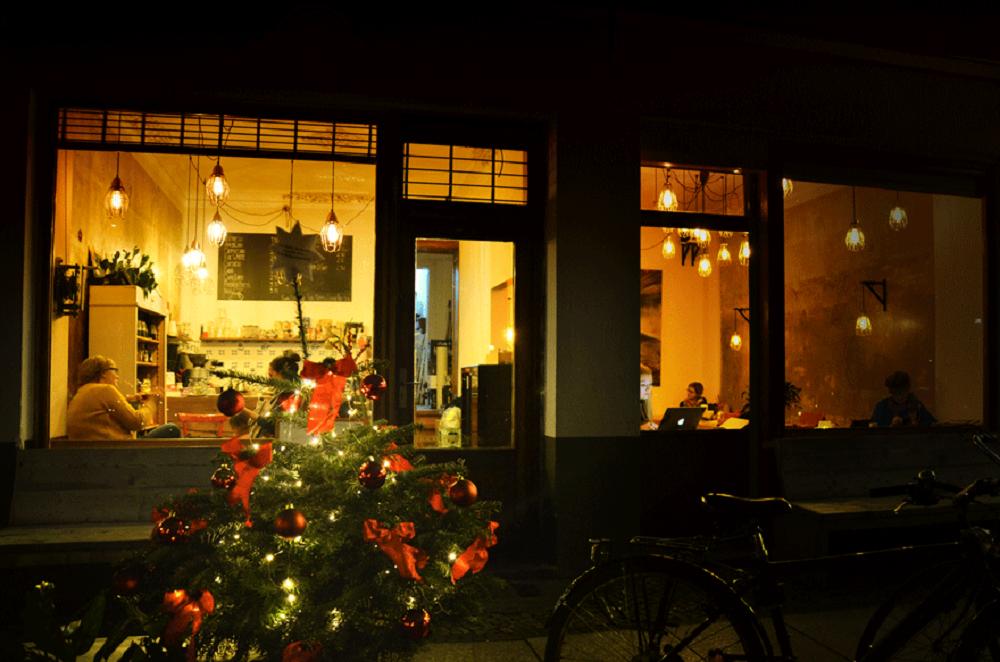 die raumplaner w nschen eine frohe weihnachtszeit und ein. Black Bedroom Furniture Sets. Home Design Ideas